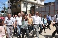 Ao lado do governador, ouvidor-geral visita comunidades de Salvador