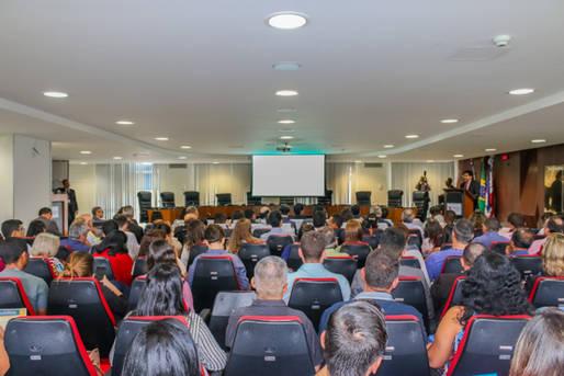 Um dos temas debatidos foi Ações do Comitê Gestor de Acesso à Informação CGAI, que teve como palestrante o auditor-geral do Estado e membro do Comitê Gestor de Acesso à Informação (CGAI) - que é presidio pela Ouvidoria Geral do Estado (OGE), Luís Augusto Rocha.